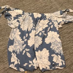 Off the shoulder like new one clothing shirt